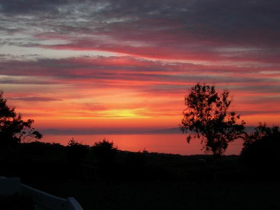 Maria's Place: Sonnenuntergang vom Balkon aus gesehen