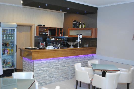 Villa Luxe: restaurante and bar