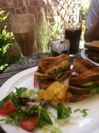 Garden House Cafe & Deli: Club sandwich and a chocolate milkshake :)
