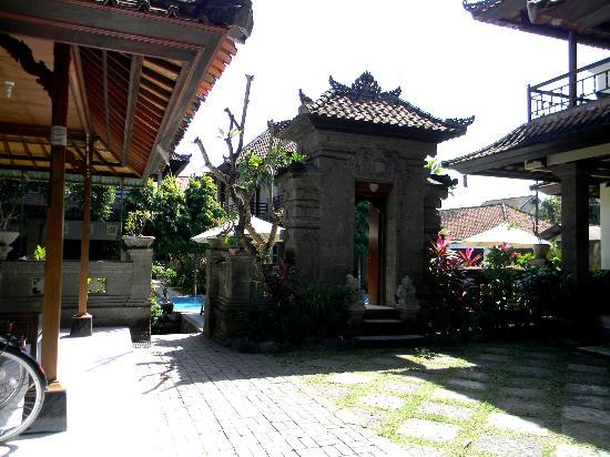 بيوري سادينج هوتل: Terrace 