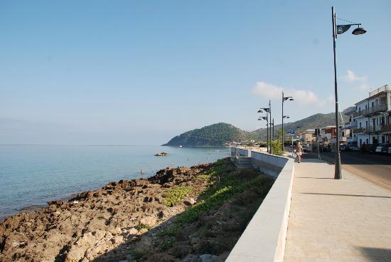 Hotel Costa d'Oro: lungomare