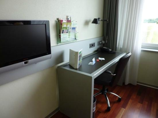 Holiday Inn Bern-Westside: habitacion