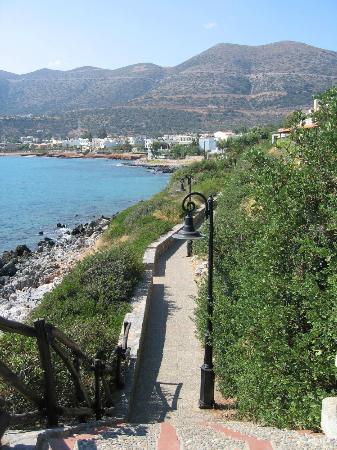 Horizon Beach Hotel: Path to Stalida