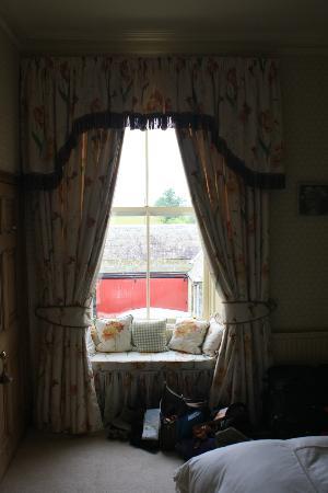 Crosshall Farmhouse B&B: Bedroom window