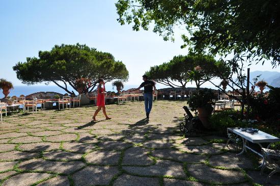 Guemar Travel: Terrace at san pietro