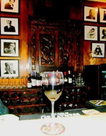 Mad Dogs & Englishmen : Wine Glass of Malbec