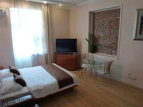 """Комплекс апартаментов """"KievInn"""": Bedroom"""