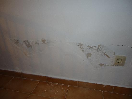 OLA Aparthotel Cecilia: damp