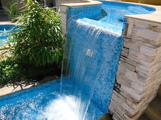 The Cliff Beach & Spa Resort: pool