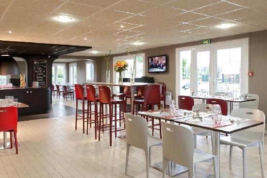 Campanile Saint Quentin : Salle de Restaurant