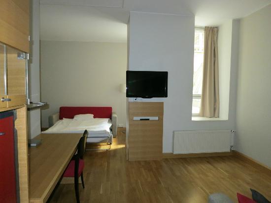 Original Sokos Hotel Helsinki: Salón habitación 