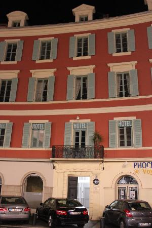 Hotel de la Mer: outside of hotel. door in middle the the entrance, go up to second floor.