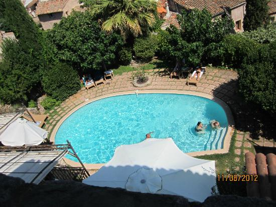 Le Logis du Guetteur: La piscine