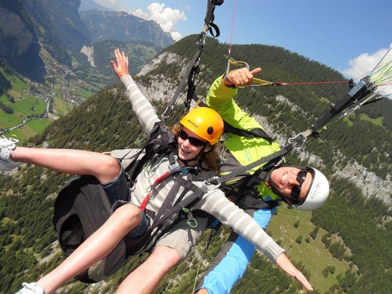 Airtime Paragliding: Flying high!