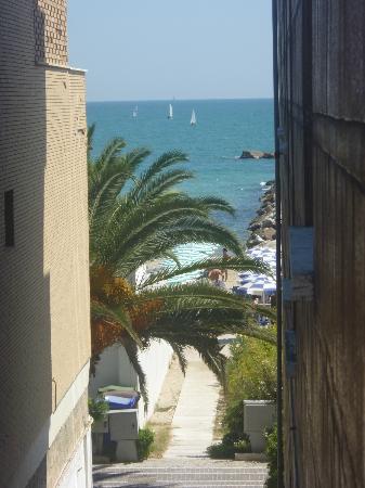 Hotel Sylvia: Vista spiaggia dalla camera da letto