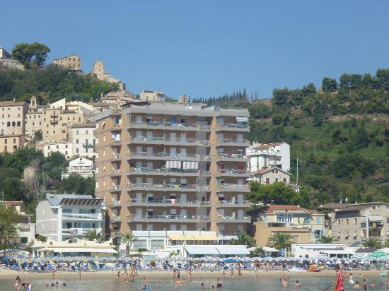 Hotel Sylvia: Vista dal mare