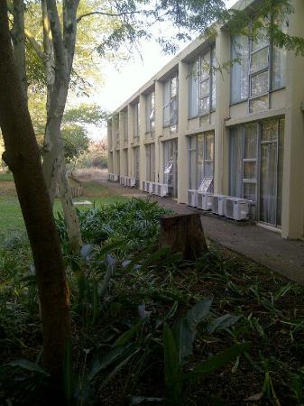 Protea Hotel Hluhluwe & Safaris: Watch those noisy aircon units