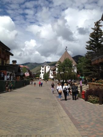 Red Lion: Vail stroll