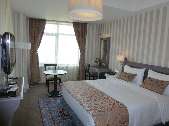 Mercure Arbat Moscow: dormitorio