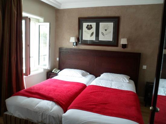 GOLDEN HOTEL PARIS : camera doppia con letti singoli