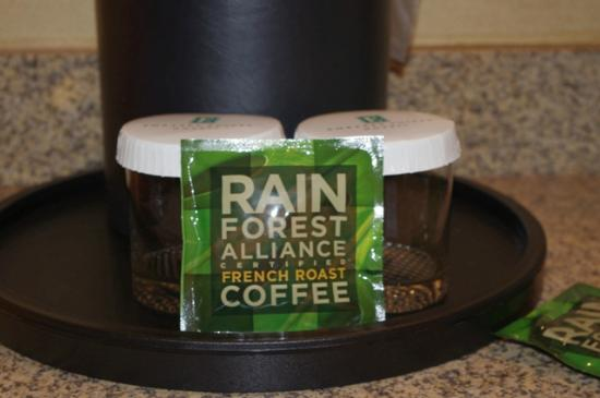 Embassy Suites by Hilton Nashville SE - Murfreesboro: In-room coffee and coffee/tea maker