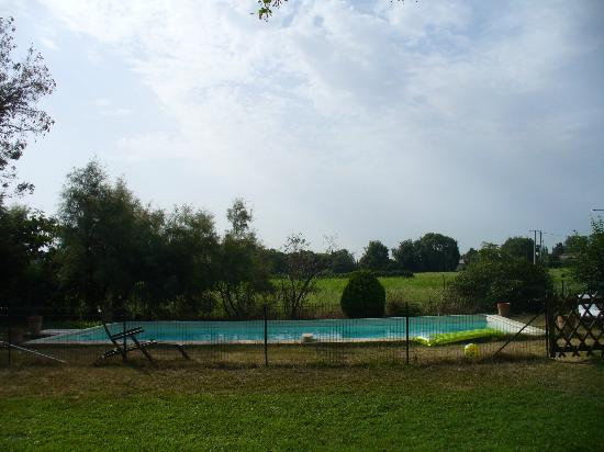Mas l'Oustal : la piscine, tres agreable!