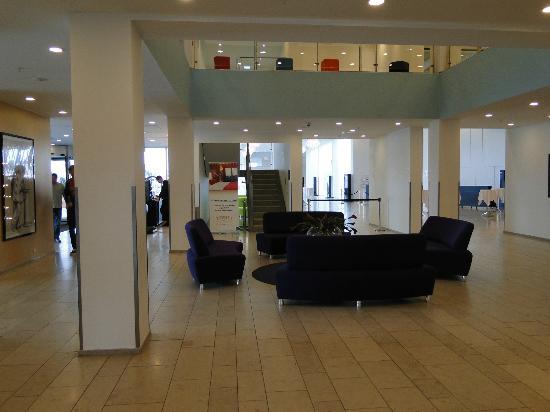 Tivoli Hotel: Lobby