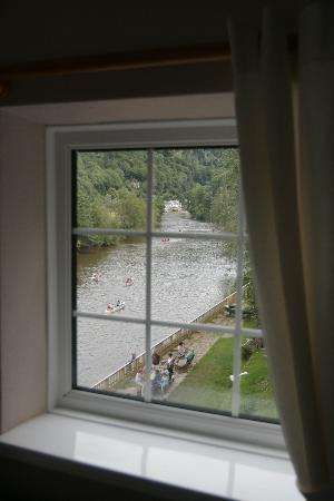 Ye Old Ferrie Inn: room with a view