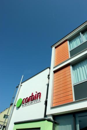 Corbin Feng Shui Business Hotel: the hotel