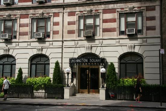 Washington Square Hotel: Ingresso