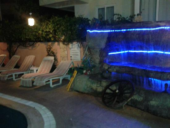 Club Aladdin Apartments: outside