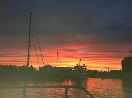 Gansett Cruises: Sunset from the Gansett