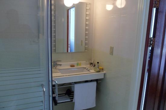 Hotel Palacio: Bathroom
