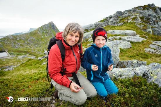 Anne Gerd's Lofoten: gemeinsame Wanderung zum Jomfrutind (mit Schatzsuche)