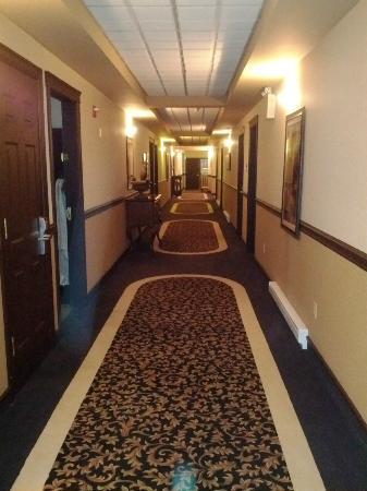 Monastery Spa & Suites: Suites Hallway