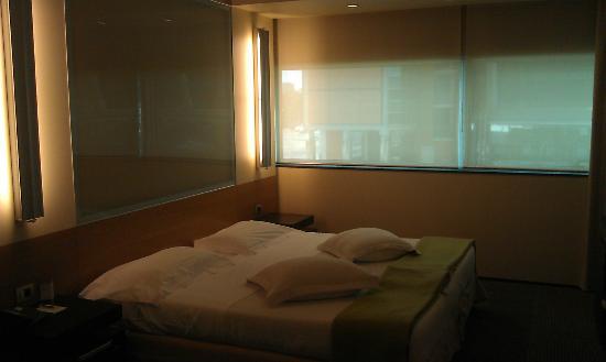 NH Laguna Palace: Bed