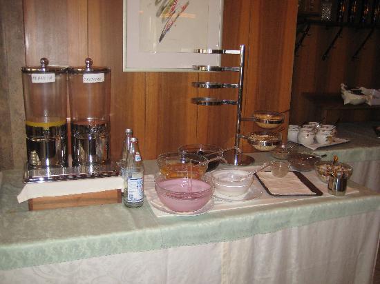 Piccolo Hotel Marlingerhof: Frühstück