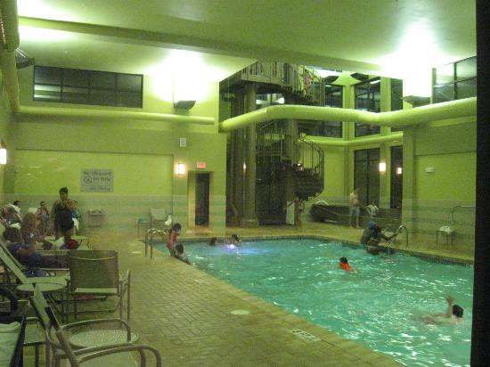 Hampton Inn by Hilton Shelton: 2 story water slide