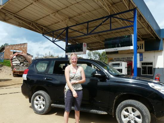 Le Bambou Gorilla Lodge: Our great Toyota Landcruiser 2012