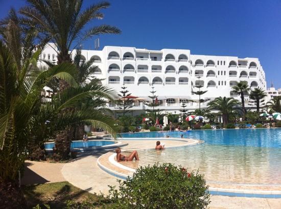 SENTIDO Aziza Beach Golf & Spa: By the pool