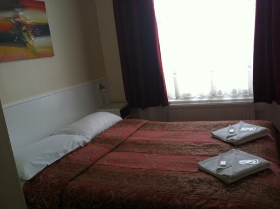 Melbourne House Hotel: la camera
