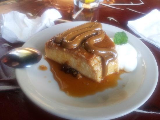 Lala's : Flan with dulce de leche