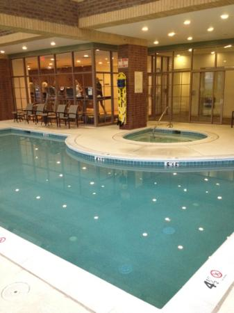 Crowne Plaza Annapolis: nice pool area