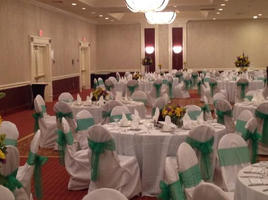 Crowne Plaza Annapolis: getting ready for a wedding!