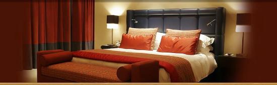 Hotel Crown: Deluxe Rooms