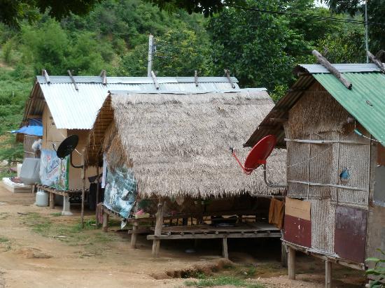 พุทธรักษา รีสอร์ท: elephant village