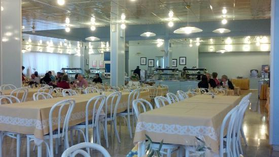 Hotel Plavi: Eating area