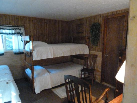 Wagon Wheel RV Campground and Cabins: Bunk Beds in main room - cabin 6