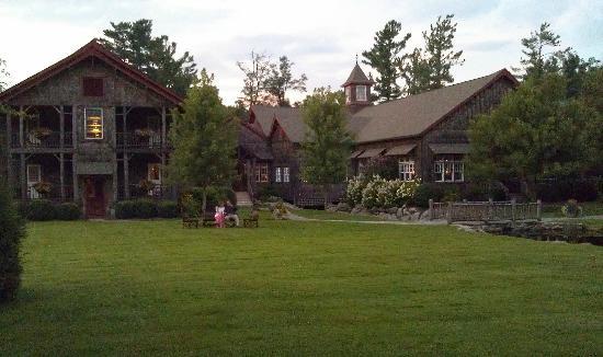 The Eseeola Lodge Dining Room: Eseeola Lodge Linville NC