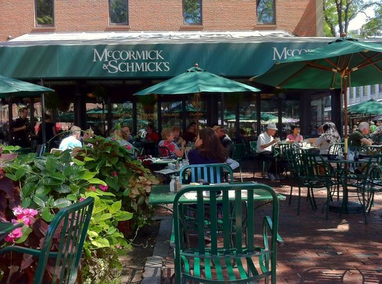 McCormick & Schmick's Seafood Restaurant: Delicious, reasonably priced, and pet friendly at edge of porch